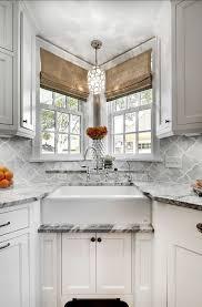 Small White Kitchen Design Ideas by Best 25 Kitchen Sink Window Ideas On Pinterest Kitchen Window