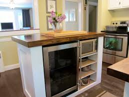 Ideas For A Small Kitchen Space by The Detached Kitchen Design Ideas With Island Creates A Large