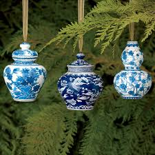 Eastern Accents Window Shell And Chinoiserie Seaside Style With An Eastern Accent Blue