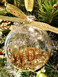 black friday christmas tree deals diy monogram ornaments u0026 silhouette black friday deals pizzazzerie