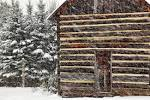 File:Rustic-country-cabin-snow-storm - Virginia - ForestWander.jpg ...