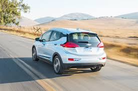 nissan leaf vs chevy bolt chevrolet bolt is losing the sales race to nissan leaf