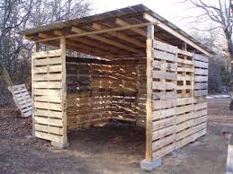 Cheap Hunting Cabin Ideas Shed Made From Pallets This Photo Shows A