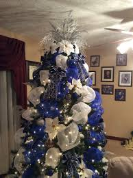 Christmas Tree Decorations Blue And Silver Blue White And Silver Deco Mesh Christmas Tree I Am A Dallas