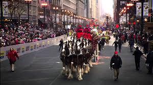 volunteer thanksgiving chicago behind the scenes mcdonald u0027s thanksgiving day parade