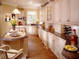 Decorating Ideas For Kitchen Guide To Creating A Traditional Kitchen Hgtv