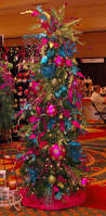 Christmas Tree Decorations Blue And Silver 325 Best ᏟᎻᎡḭᏚᎢᎷᎪᏕ Jewel Tones Images On Pinterest