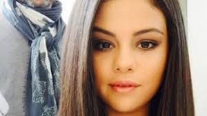 Selena Gomez Talks Lesbian Rumors and Admits Her Gay Friends
