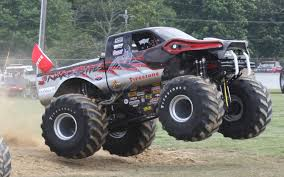 bigfoot summit monster truck image snake bite front view jpg monster trucks wiki fandom