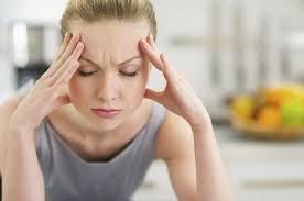 Dor de cabeça forte pode ser sinal de AVC | Folha Vitória