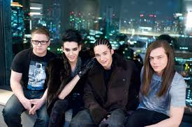 Tokio Hotel en los Premios MTV VMA Japón - 25.06.11 Images?q=tbn:ANd9GcSOOIwpuMylBEuIu53RXbwmdDOawowntyogOn-Vn57JX_uDRB7vIA