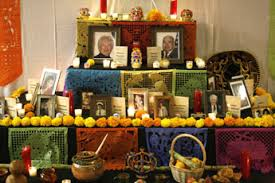 traditional ofrenda day of the dead