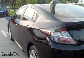 nissan leaf vs chevy bolt august 2015 plug in electric vehicle sales report card