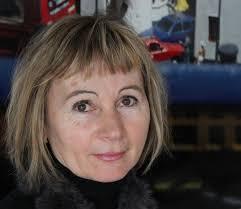 Zwischen Kürzest-Prosa und experimenteller Lyrik bewegen sich die Gedichte im neuen Werk von Erika Kronabitter. - image_large