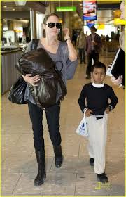 angelina jolie heathrow airport 04