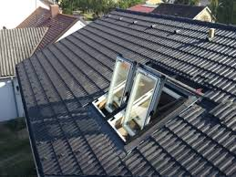 Andreas Babos Dachdeckerei U. Bauspenglerei, Wien, Freytaggasse 2- - pic_Dachfl%C3%A4chenfenster-Einbau_222311_large