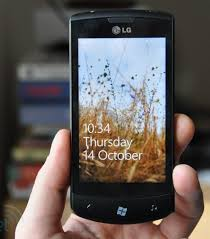 LG Optimus 7 Offers Awesome Features That Others Don't Have Images?q=tbn:ANd9GcSTGbUNuNecKOHraCeGD5sFHpapQPqEkxIzYmBZYjvuwGUY2tLf3w