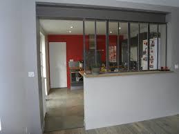 fenetre metal style atelier cuisine style atelier industriel idee deco salon beige taupe 19