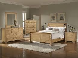 Cheap Wooden Bedroom Furniture by Best 25 Oak Bedroom Ideas Only On Pinterest Oak Bedroom
