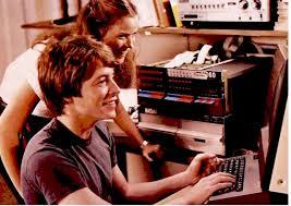 Débat : Le plus bel ordinateur 8/16 bit - Page 3 Images?q=tbn:ANd9GcSXH8MXlYGm3IhXW0Be1wxXLBYE5iO5EOGHukjDGOJbaQBUsnnj