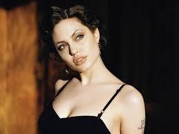 Angelina (38)