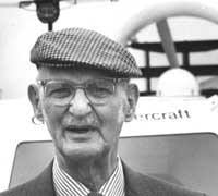Sir Christopher Cockerell. 11:09am Thursday 21st June 2007 in Hampshire Heritage. Daily Echo: HE belonged to a breed of scientists typical of post-war ... - 461227