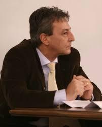 Da don Giulio Gaio, vicino al Partito popolare e antifascista, come pure da altri dei suoi insegnanti di ginnasio e di ... - Marco_Roncalli-280x348