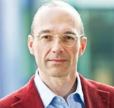 Nach seiner Arbeit in der akademischen Forschung arbeitete er als Security Officer am Paul-Scherrer-Institut. 2004 wechselte er zu Switch, wo er seit 2006 ... - 23093846