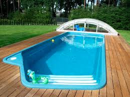 guide to choose a swimming pool contractor without getting ripped