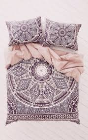 Purple Bed Sets by Best 20 Purple Bedding Ideas On Pinterest Plum Decor Purple