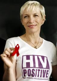 so Sigrid Ofner von der AIDS-Hilfe zu ÖSTERREICH. Auch eine Gesangs-Einlage von Annie Lennox ist geplant – als Höhepunkt einer Veranstaltung mit rund 15.000 ... - 1.391