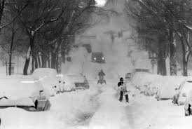 Halloween Usa Taylor Mi 25 Photos That Perfectly Capture The Halloween Blizzard Of 1991