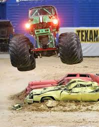 bigfoot king of the monster trucks monster jam marks 20th anniversary in alamodome san antonio