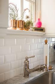 Pictures Of Kitchen Tile Backsplash Best 25 White Subway Tile Backsplash Ideas On Pinterest Subway