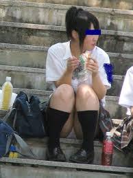 体育座り  パンティ見せ 女子高生|座りパンチラ しゃがみパンチラ 画像 18