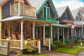 Tiny House Hotel Near Me Bestie Row Best Friends Live Next To Each Other