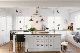 22 awesome traditional kitchen lighting ideas traditional kitchen lighting