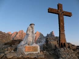 %name Bellamonte, Pino Dellasega presenta il Cristo Pensante delle Dolomiti, lunedi 9 agosto