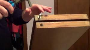 Bifold Closet Door Locks by How To Fix Bifold Doors Bifold Closet Doors Youtube