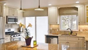 Kitchen Cabinet Cornice by Top Notch Design Ideas Using Black Granite Countertops And