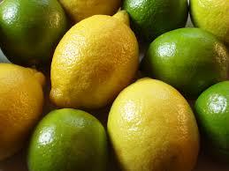 Buah lemon berguna sebagai pembakar lemak yang sangat baik serta penyegar dan minuman antioksidan