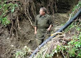 Die Soldaten errichteten eine selbsttragende Krainerwand. Unter dem Kommando von Vizeleutnant Josef Bogensperger. - lessach_1