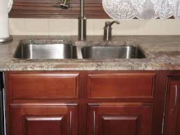 cherry cabinets in kitchen 32 best kitchens black images on pinterest cherry finish