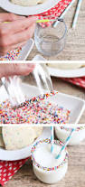 these sprinkle rim glasses are so simple to make and perfect for