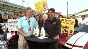 VIDEO: Robin Roberts talks to fan Bill Huneke before driving the pace car. ABCNEWS.com. Image from. The Indy 500\u0026#39;s Biggest Fan. May 28, 2010 09:26 AM - abc_gma_fan_100528_wg