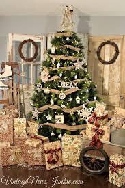 Diy Mini Christmas Trees Pinterest 82 Best Christmas Home Decor Easy Diy Ideas Images On Pinterest