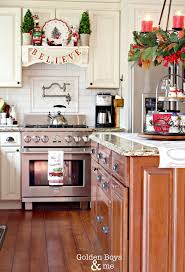 Kitchen Cabinet Top Decor by Best 25 Christmas Kitchen Decorations Ideas Only On Pinterest