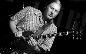 File:DEREK TRUCKS Liri Blues