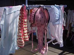 可愛い下着の洗濯物画像掲示板 ブラジャー パンツ ベランダ 外干し 下着 エロ画像【28】