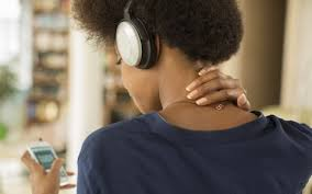 amazon black friday beats powerbeats best black friday headphone deals on saturday afternoon bose